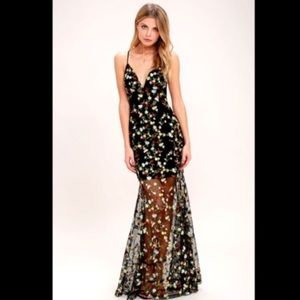 NWT Whimsy Daisy Black Embroidered Maxi Dress